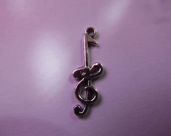 silver pendant treble clef with musical note 31mmx11mm