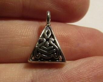 set of 5 silver-plated bails triangle shape