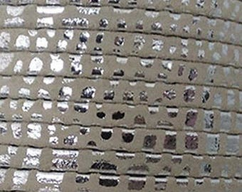 20 cm Strip suedine flat taupe Silver 5mm wide
