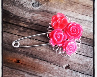 Red flowers and silver filigree pin brooch