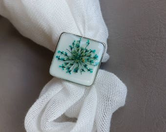 Square ring small size, resin and dried turquoise flower