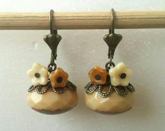 Earrings flowers beige Bohemian