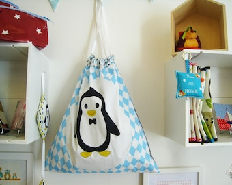 Grey and blue pattern laundry bag Penguin