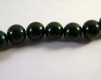 10 12 mm Green striped PV33 black glass beads