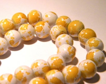 50 glass - beads 8 mm - yellow - F145-5