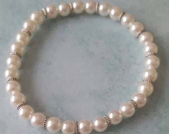 Pearly resin beaded bracelet