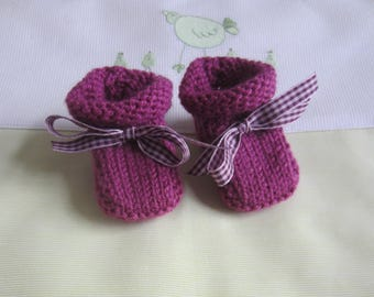 "Color ""plum"" hand made knit newborn baby shoes"