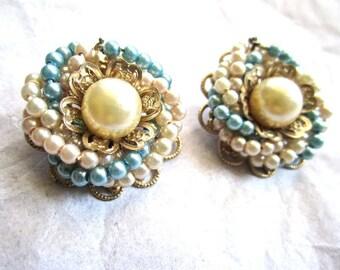 Light Pale Blue Pearl Bead Earrings Cream White Gold Tone Clip On 50s 60s Era Glam
