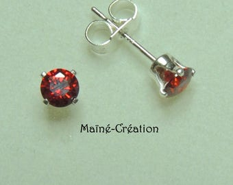 Red 4mm 925 sterling silver with cubic zirconia CZ Stud Earrings