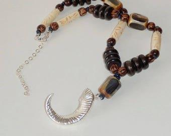 Silverhorn man wood, Horn, bone necklace