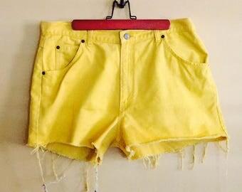 Yellow Size Large Chase Run high waist shorts