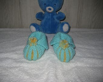 Baby 'pumpkin' turquoise/yellow with bicolor Pompom