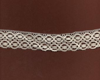 3.5 cm wide ecru cotton lace