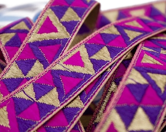Triangle Fuchsia Violet and 2.1 cm x 1 m gold Jacquard Ribbon