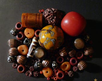 126 beads Nepal Horn, coral, Jasper, seed, mother of Pearl and metal