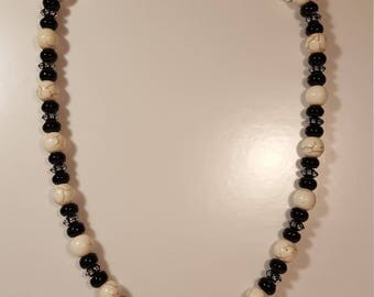 Necklace with White Turquoise and Black Agate beads