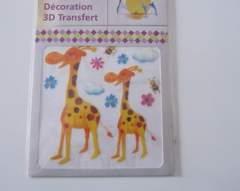 Decorative 3D transfer depicting giraffes, bees and flowers - 100 mm x 100 mm