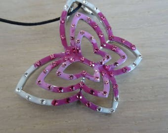 Necklace with butterfly pink