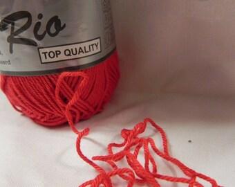 """pelote de fil coton mercerisé rouge """" rio"""""""
