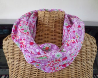 snood scarf in fine cotton in shades of pink and purple