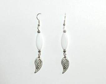 Dangle earrings white navettes