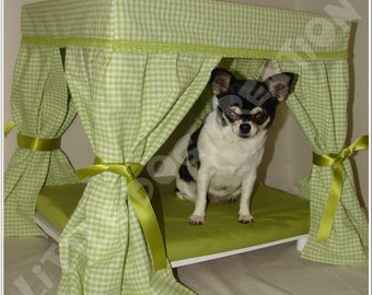 Canopy bed for small dog or cat