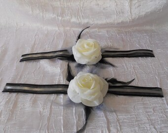 set to tie flower / ivory and black