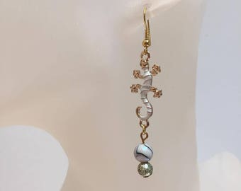 Golden salamander beads earrings