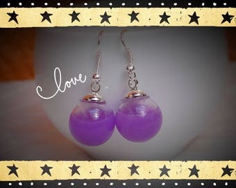 Globe ball 16mm diameter mounted on silver plated earring and its two BO