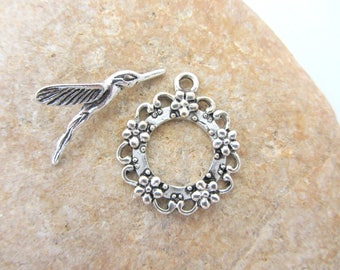 Toggle clasp round silver plated bird