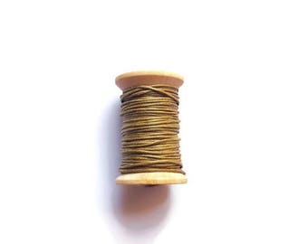 Brown khaki waxed cotton threads