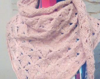 shawl or scarf / pink pattern