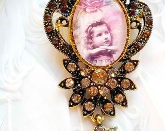 Beautiful Retro Shabby style brooch