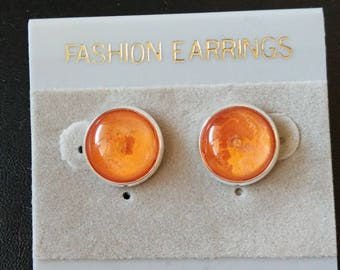 Hypoallergenic stud earrings in a variety of colours