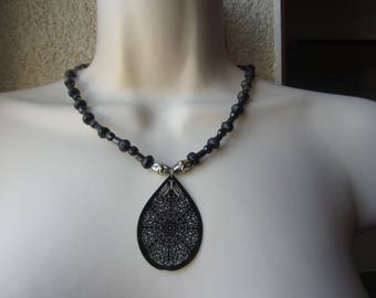 Necklace black and silver print