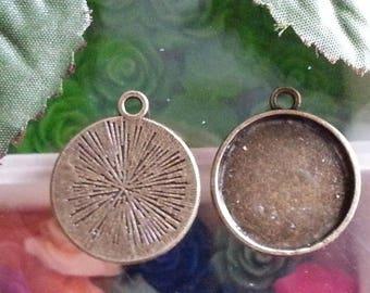 top: 18 mm support cabochon. 24 x 20 x 2 mm, antique bronze