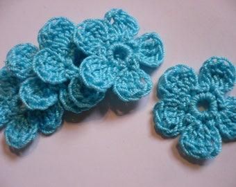 set of 5 flowers crocheted blue, 29 mm in diameter