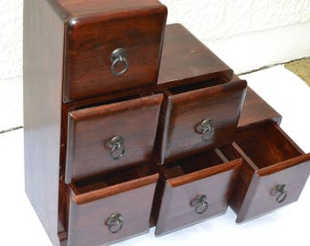 6 storage drawers staircase