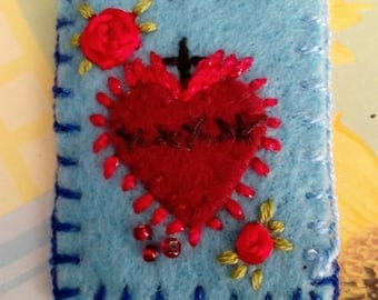 Hand embroidered scapular-scapular sacred heart with red roses