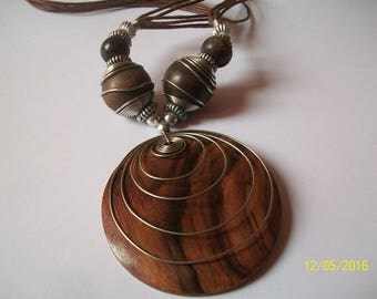wood and aluminum wire bead necklace