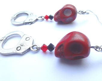 Earrings rock n roll skull and Red silver handcuff