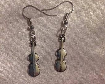 Earrings dangle metal silver guitar