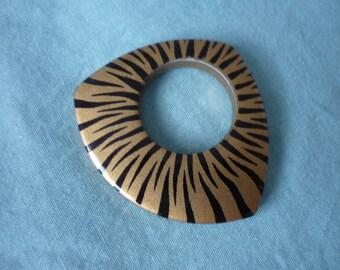 Pendant plastic Brown/Black 4.2 cm x 4.8 cm