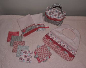 set of toiletries coordinated baby pink/gray tones