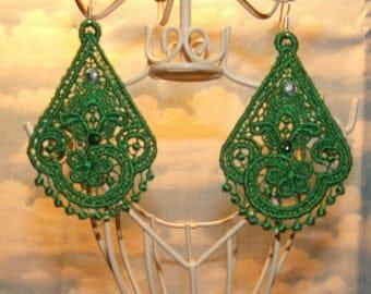 Tear drop earrings with Rhinestones