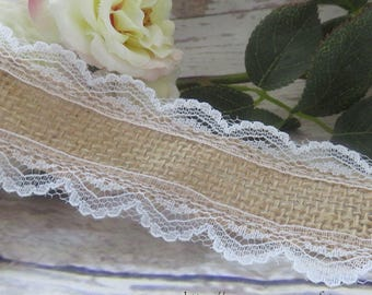 Ribbon lace on each side adorned with burlap 4.3 cm