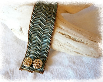 Cuff Bracelet in khaki and bronze seed beads