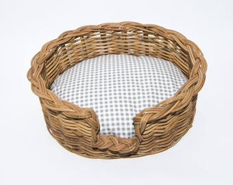 Traditional Wicker dog Basket with comfy vintage style grey gingham cushion.