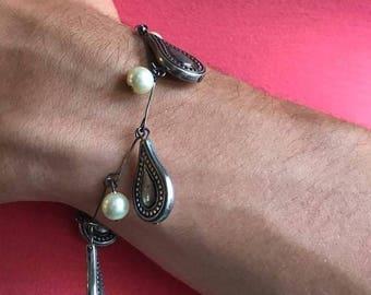 Pearl and Silver Teardrop bracelet