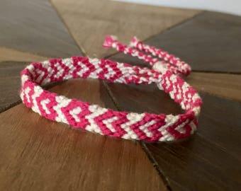 Heart Friendship Bracelet – Heart bracelets – Friendship Bracelets White and Pink- handmade Friendship Bracelet – Heart woven bracelet Boho
